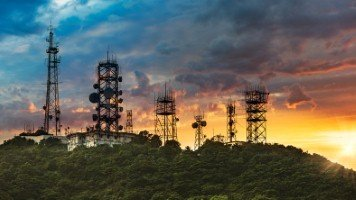 The government has launched a review into future telecoms infrastructure investment [Image: chinaface via iStock]