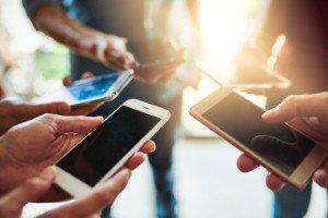 Smartphone sales return to growth in Q1 2018 [Image: PeopleImages via iStock]