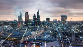 5G 'has the potential to transform business', says Deloitte [Image: IR_Stone via iStock]